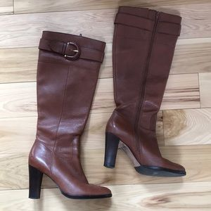 Banana Republic: brown leather boots with buckle
